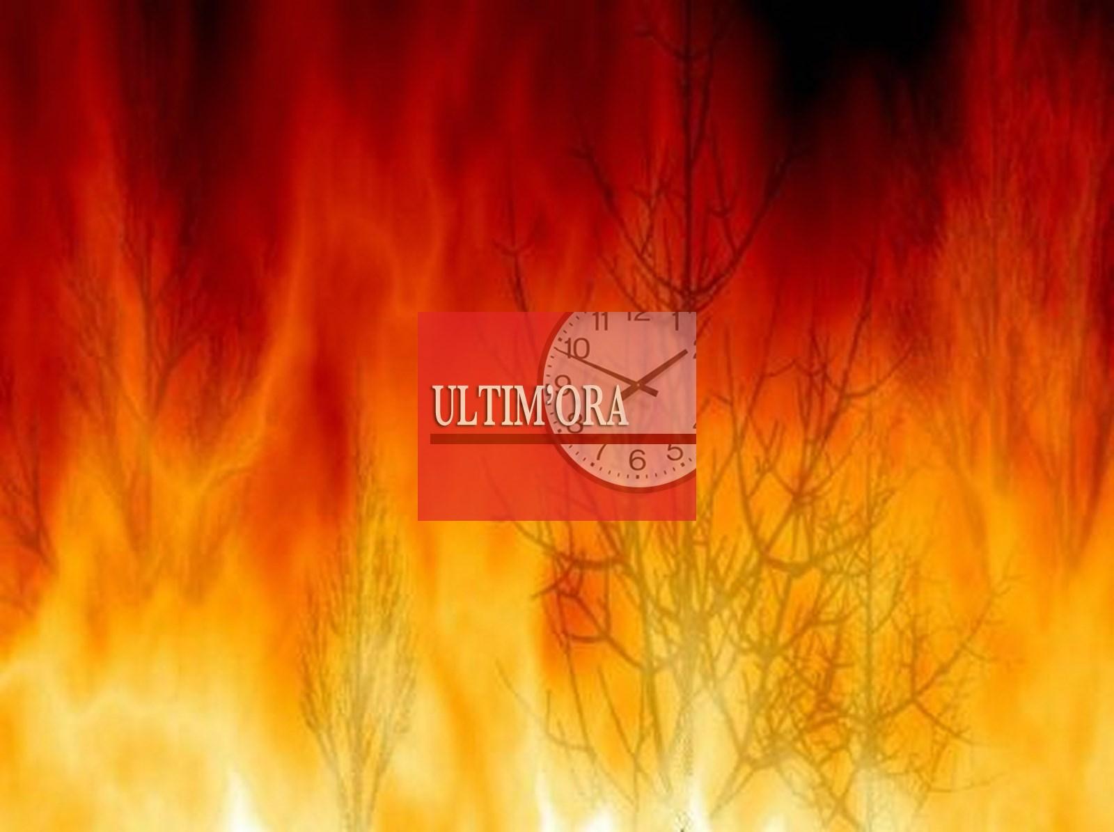 S. Mauro in difficoltà: due roghi si uniscono / Incendi tra Gratteri e Collesano