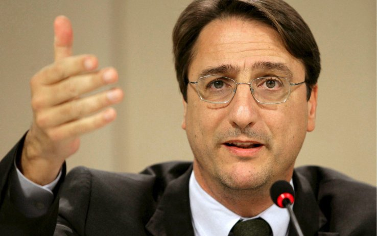 Fava: dimezzare lo stipendio dei parlamentari senza toccare i dipendenti