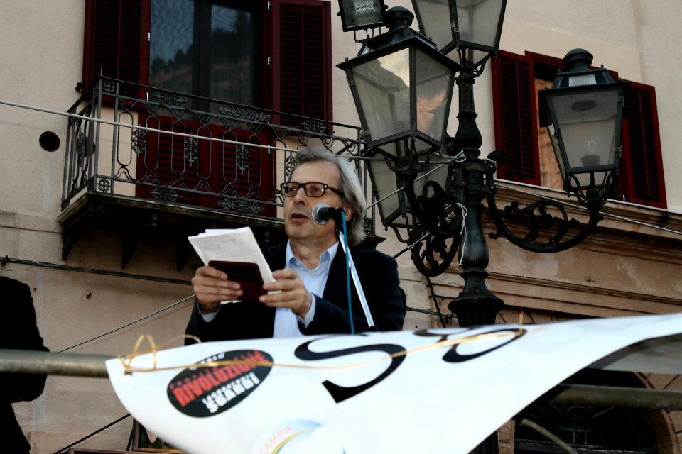 Pillole della campagna elettorale passata: Sgarbi ed i problemi del porto (VIDEO)