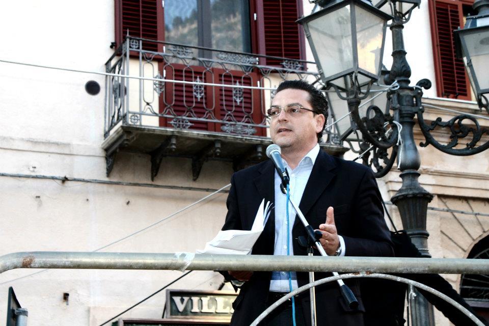 """Cefalù Web chiede all'Avv. Calabrese: """"Risposerebbe, oggi, il progetto Sgarbi Sindaco?"""""""