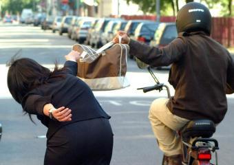 Cefalù: continuano i furti e le violenze