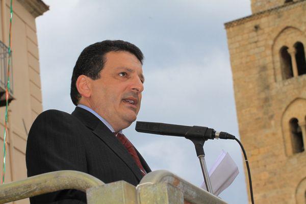 Il sindaco critico sulla vicenda ospedale