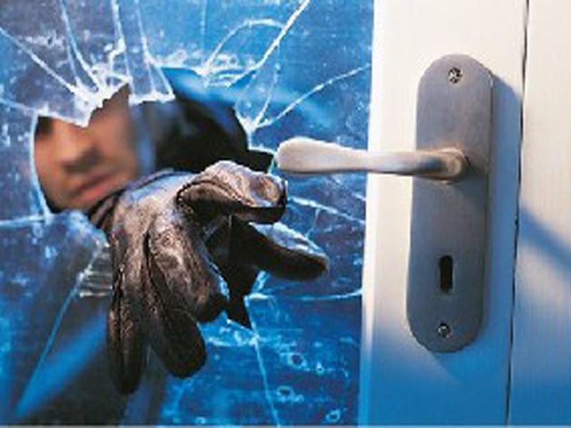 Cefalù: rubato il pc di un parroco ieri pomeriggio