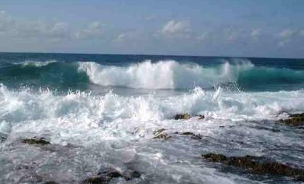 Tragedia a Terrasini, ritrovato senza vita il corpo trascinato dalle onde