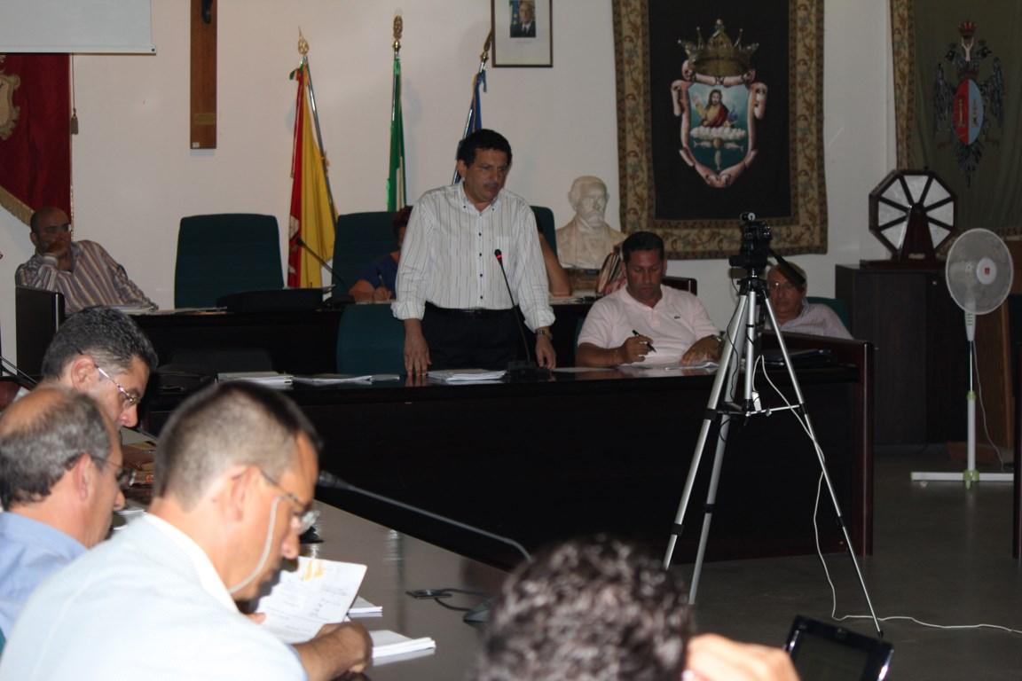 Cefalù - Il Consiglio cerca di evitare il dissesto ma non mancano le polemiche