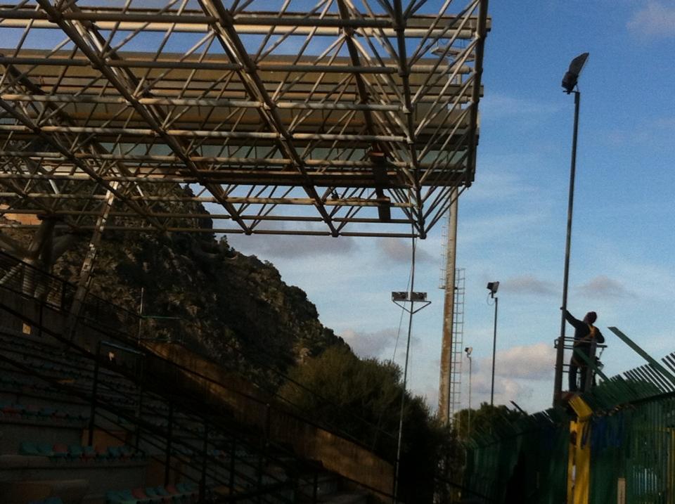 Stadio Santa Barbara: storia di un abbandono (photogallery)