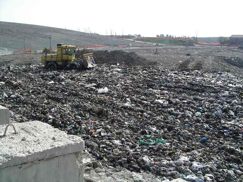 Emergenza rifiuti, da ieri sera si scarica a Bellolampo