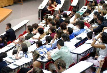 Studenti universitari occupano simbolicamente l'assessorato alla formazione