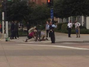 Washington, strage al quartier generale della Marina: 12 morti