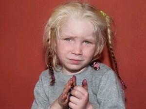 Grecia: bimba bionda ritrovata in un campo rom, appello per identificarla