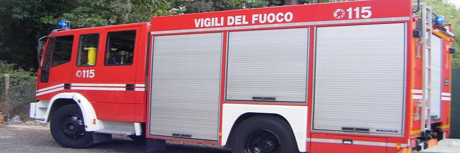 Incendio in una villa a Palermo: salvate sette persone