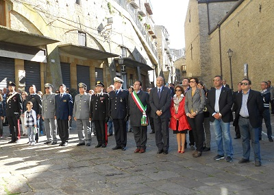 Gangi, defunti e caduti: commemorazione in Piazza del Popolo