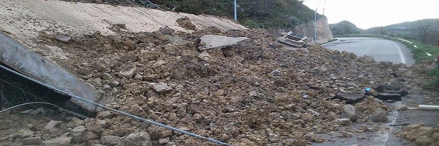 Polizzi Generosa, crolla muro all'ingresso del borgo: bloccato l'accesso al paese