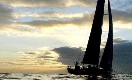 Il traghetto Palermo - Genova si scontra con una barca a vela