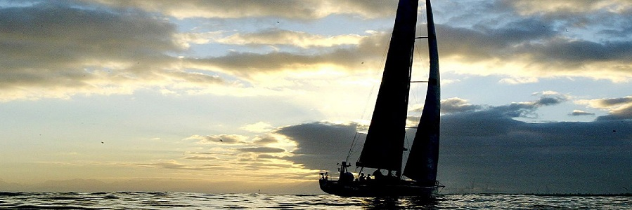 Il traghetto Palermo – Genova si scontra con una barca a vela