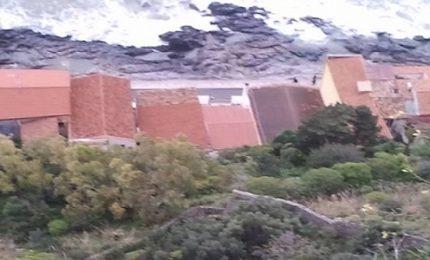 Cefalù: rischio caduta massi, sfollate abitazioni della Giudecca
