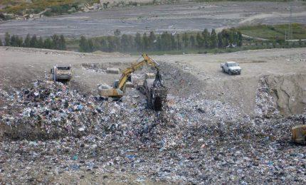 Caos rifiuti, vertice in Prefettura