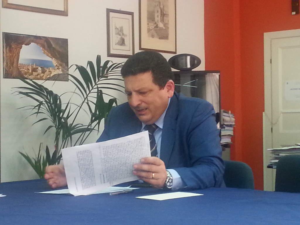 Cefalù, Lapunzina parla ai cittadini: Covid, scuole rifiuti e riduzione dei tributi