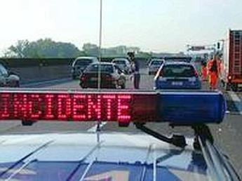 Tragico incidente sulla A19, due morti