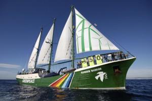 Il sindaco di Palermo a fianco di Greenpeace contro le trivellazioni nel canale di Sicilia