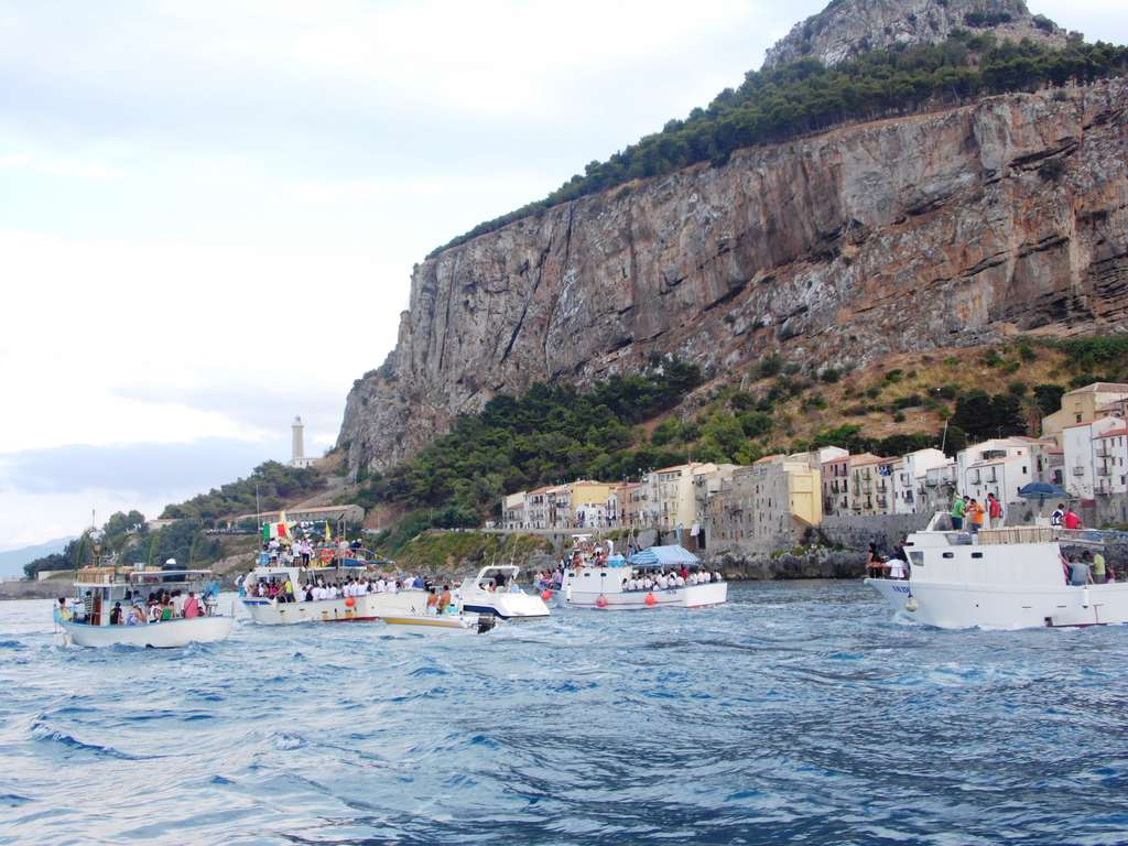 Assunzione Beata Vergine Maria: oggi processione delle barche