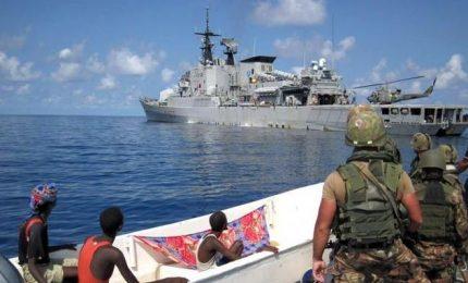 Droni, marò e parà italiani contro pirati e shabab somali