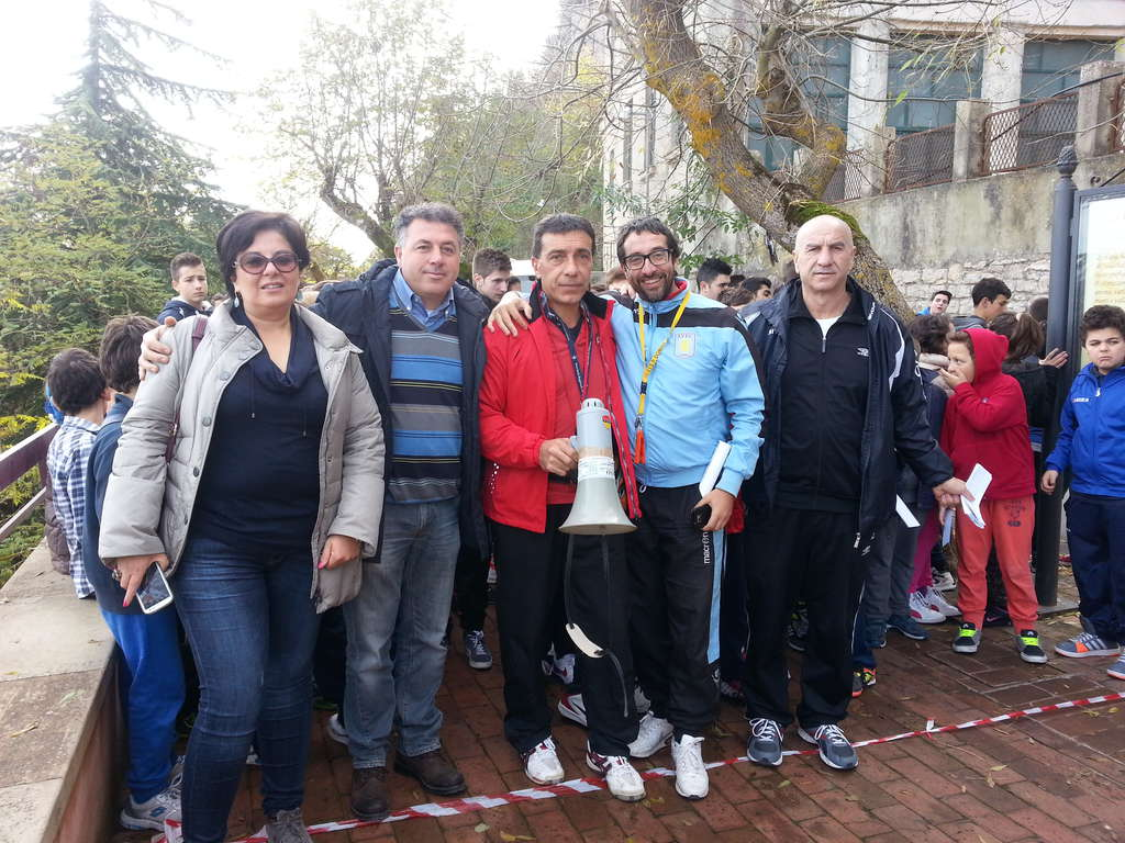 Gangi, tanti studenti alla prima gara di orienteering nel borgo più bello d'Italia