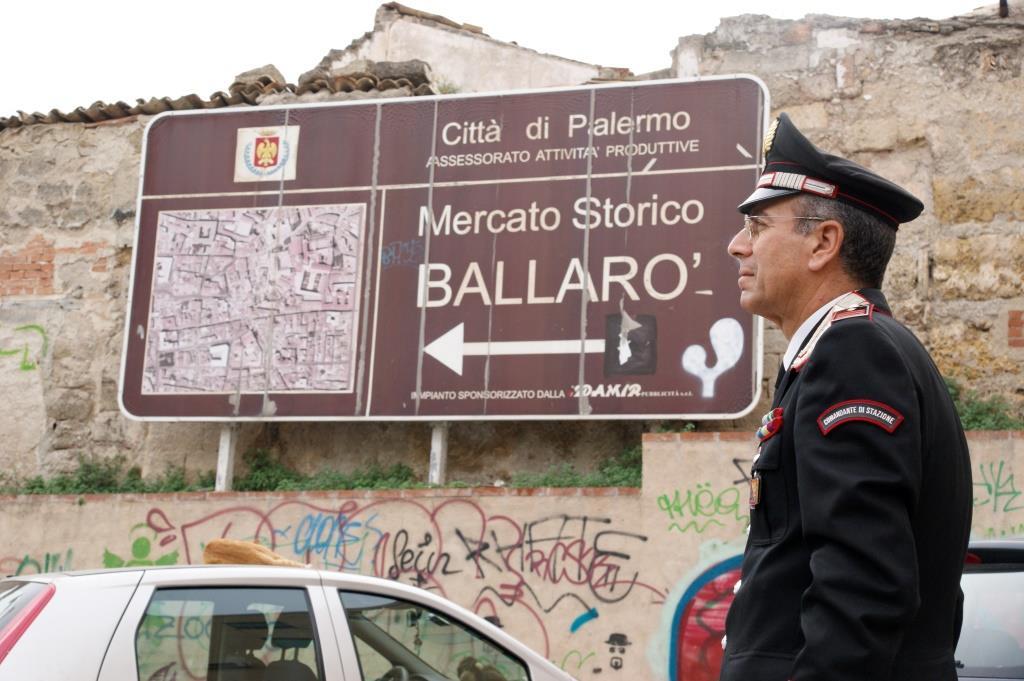 Controlli straordinari dei carabinieri nel quartiere ballarò