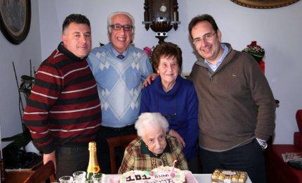 Gangi festeggia la sua nonnina