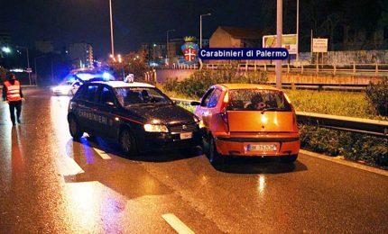 Inseguimento nella notte a Palermo, arrestati due ladri di auto