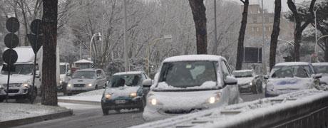 Neve e disagi nella circolazione stradale a Palermo