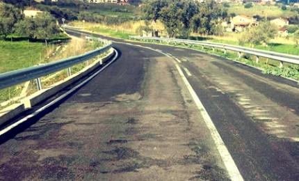 Castelbuono, operatori forestali puliscono la SP 286