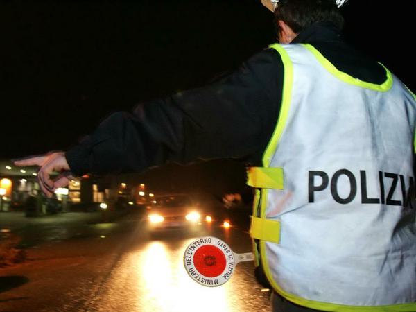 Dopo la notte brava a Cefalù centra la volante della polizia stradale