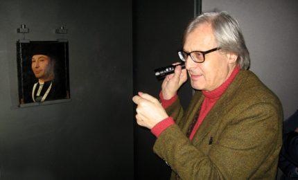 Vittorio Sgarbi in visita al museo Mandralisca