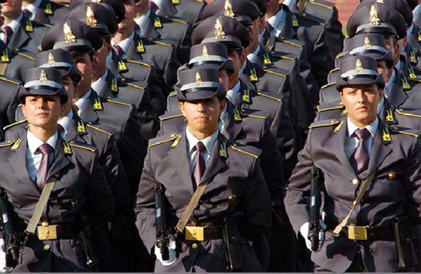 Guardia di Finanza recluta tre allievi finanzieri