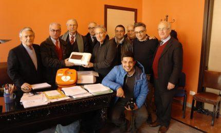 Castelbuono, consegnato defibrillatore al comune