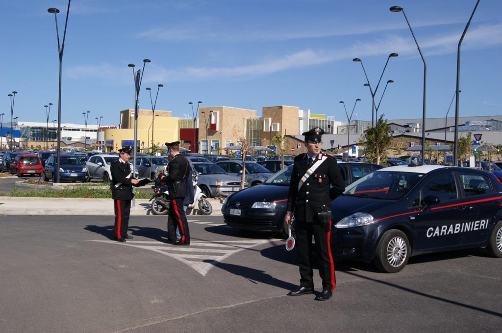 Furto al centro commerciale, arrestate due giovani donne