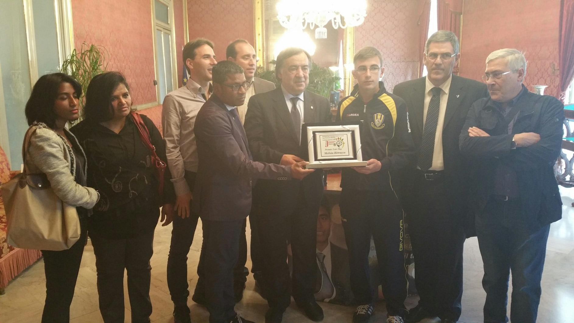 Il premio fair play alla società calcistica Montemaggiore Belsito