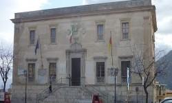 sospeso un dipendente ex sindaco burrafato municipio termini alberghiero
