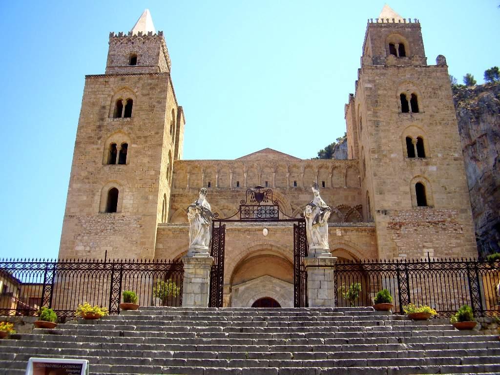 Ruba i soldi delle offerte nel Duomo di Cefalù, denunciato 52 enne di Pollina