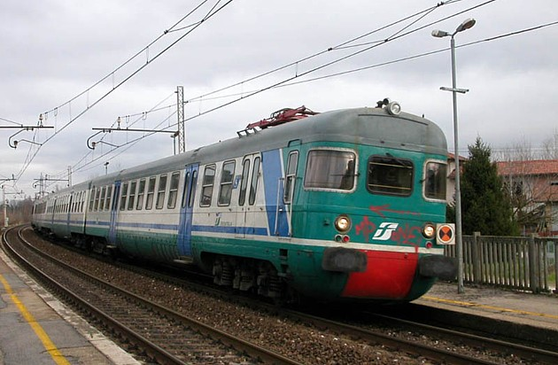 Tragedia a Santa Flavia, muore un giovane investito dal treno Roma Palermo