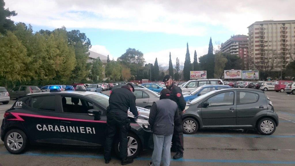 Parcheggiatori abusivi a Palermo: multate dieci persone