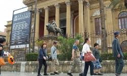 turisti a palermo guide turistiche legge regionale sul turismo