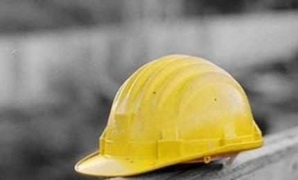 Incidente sul lavoro nelle Madonie, un operaio precipita da un tetto e muore