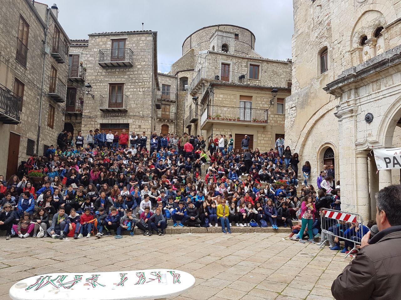 600 alunni all'orienteering di Petralia Soprana