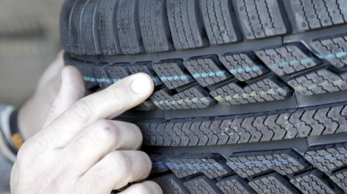 Scandalo test sui pneumatici: Nokian chiama in causa anche altre aziende