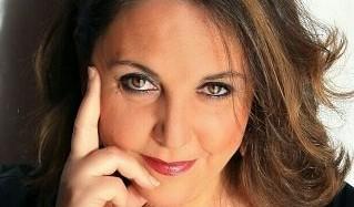 Regionali 2017, da Cefalù la candidata donna Valeria Piazza