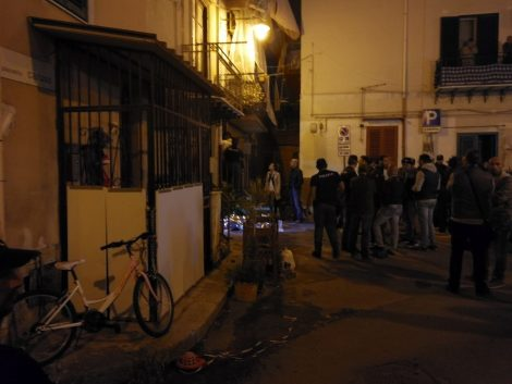Sparatoria all'Arenella per una lite tra vicini: un morto e un ferito
