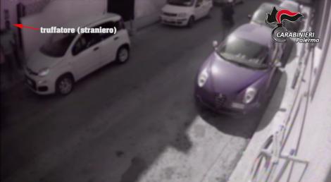 Milano, anziani derubati da finti nipoti: quindici arresti