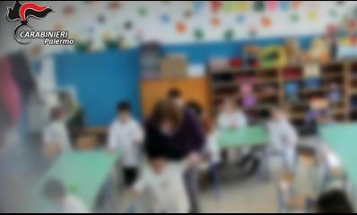 Sospesa insegnante di scuola materna, picchiava gli alunni